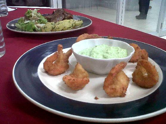 pollo guacamole pin