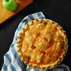 Cheddar Apple Pie 250px
