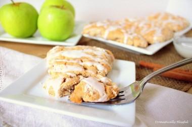 rsz_1rsz_warm_cinnamon_apple_scones