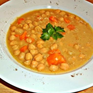 Revythia soupa (Hot chickpea soup)