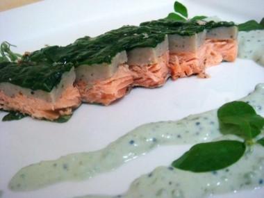 Salmon-Envuelto-de-espinaca-con-crema-de-caviar1-624x468